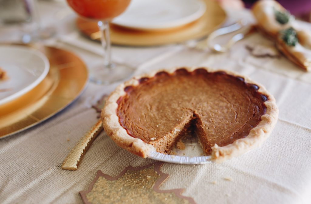 Thanksgiving Recipes and Hosting Tablescapes