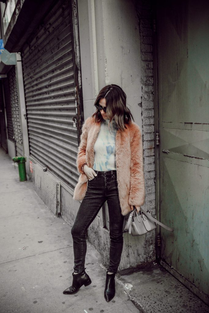 Seattle Fashion Blogger Sportsanista wearing Everlane Highwaisted Black Denim and March Fisher Yale Bootie