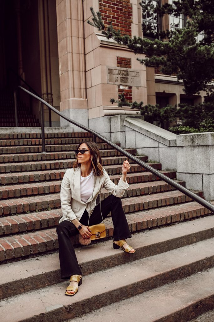 Seattle Fashion Blogger wearing Linen Blazer, Mini Flare High Jeans and Urban Outfitters Slingback Sandal