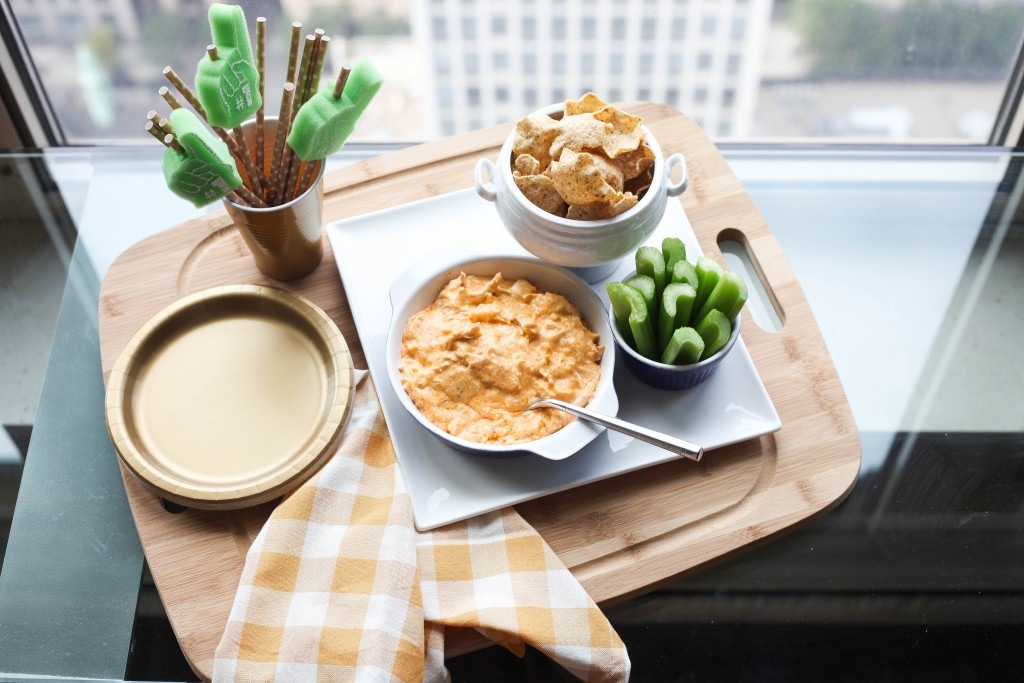 Tailgate recipes, Buffalo Chicken Dip, What to make for a tailgate, Tailgate party, College football