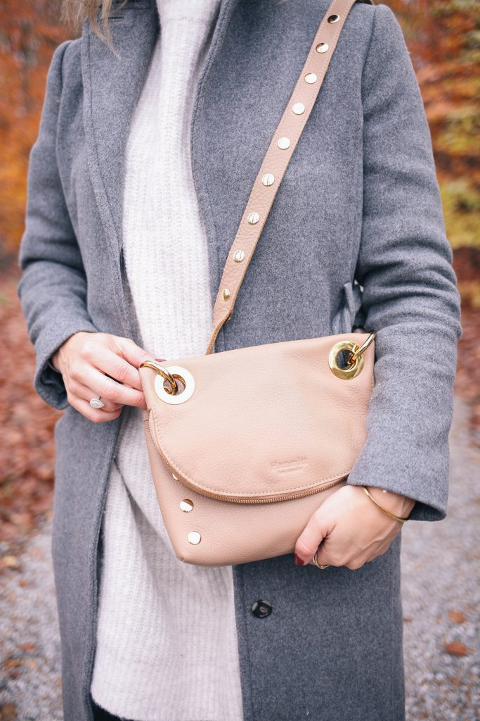 Hammit Crossbody Bag and Chicago Fashion Blogger