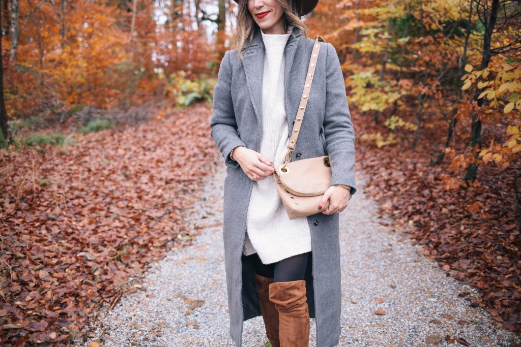 Oversized Sweater Dress and Hammit Crossbody bag
