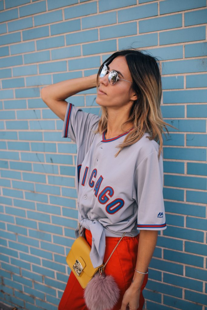 Blogger Mary Krosnjar wearing Chicago Cubs Jersey