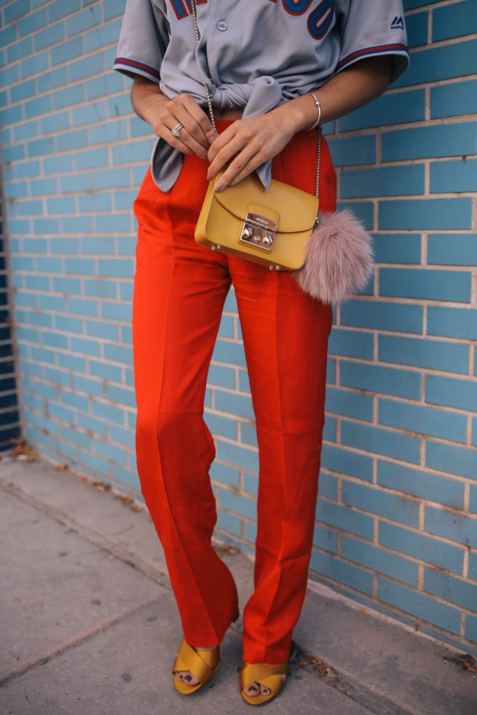 Blogger Mary Krosnjar wearing Red H&M Pull on pants and yellow Satin ann Taylor sandals