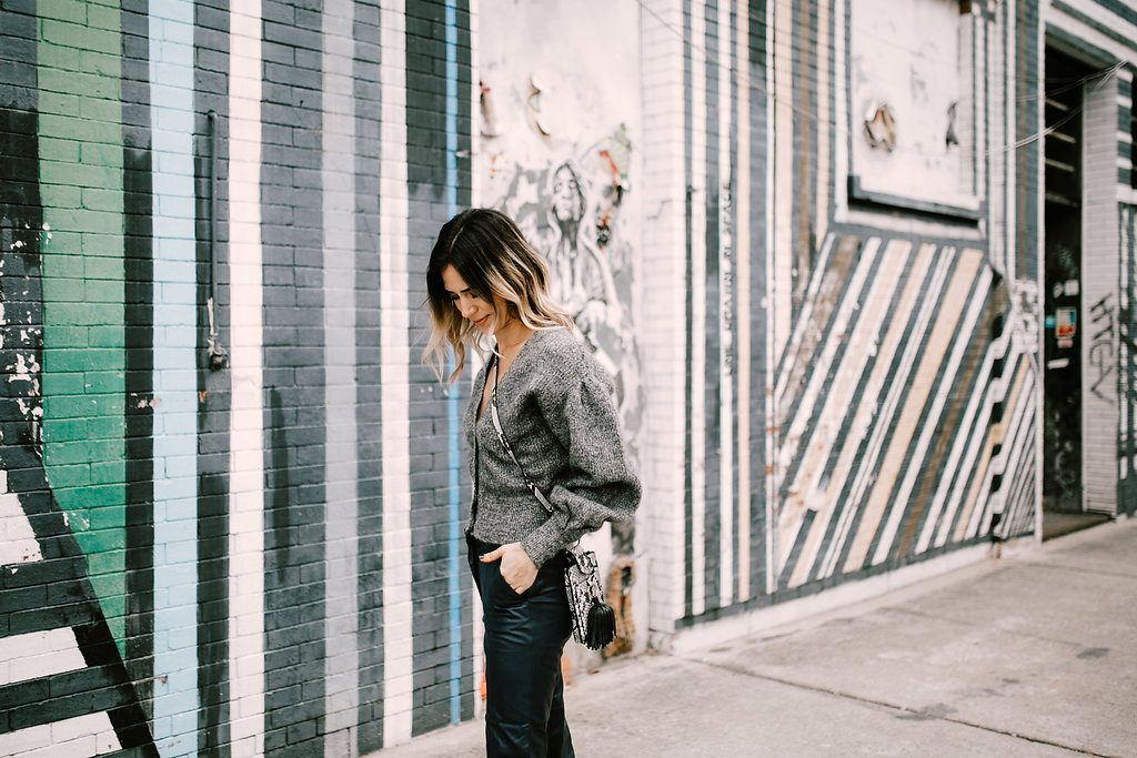Blogger Mary Krosnjar wear Fabulous Faux Leather Pants and H&M cropped sweater