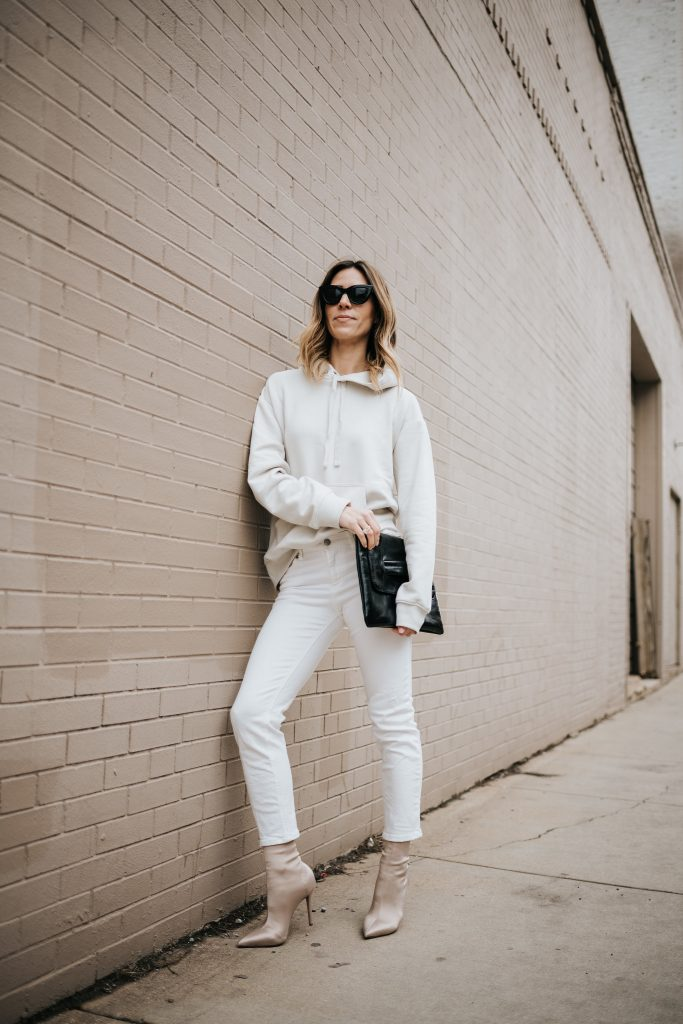 Blogger Mary Krosnjar Styling Sweatshirts for Spring