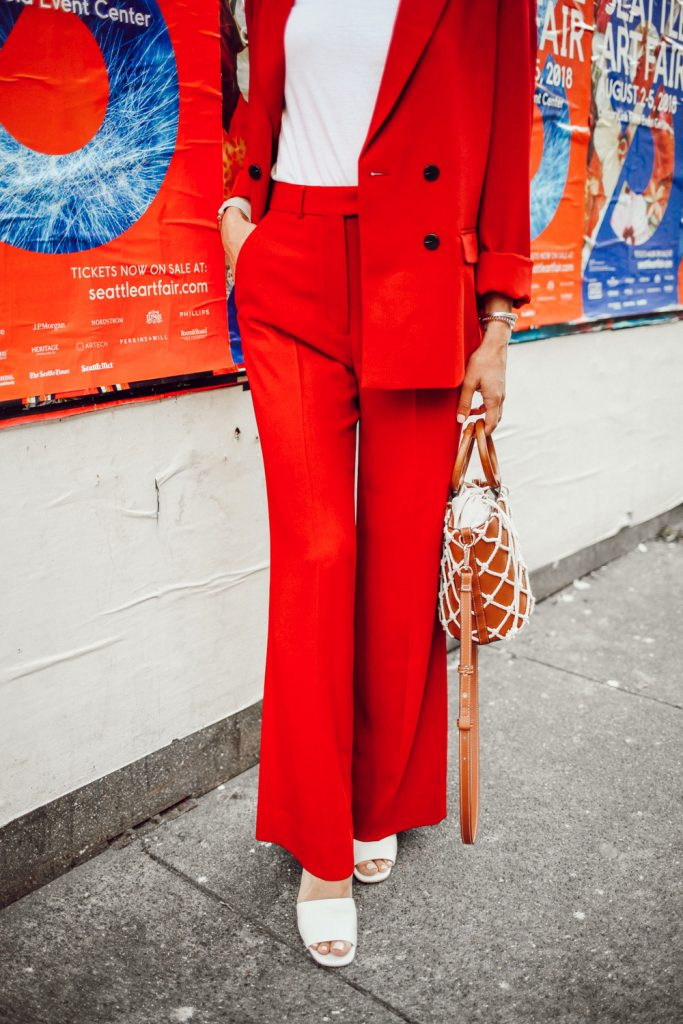 Blogger Mary Krosnjar Topshop Slouch Suit Trousers