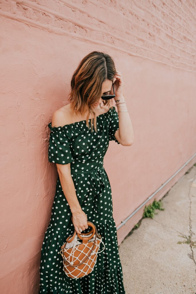 Blogger Mary Krosnjar wearing Polka Dot Fall Maxi Dress and Mango Net Bag