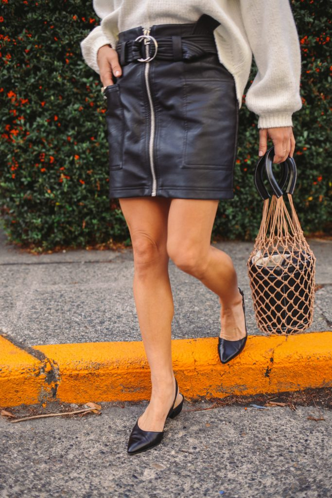 Blogger Mary Krosnjar wearing Naturalizer Banks Pump and Topshop Faux Leather Mini skirt
