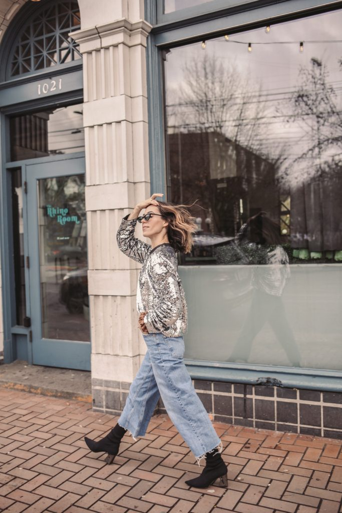 Blogger Sportsanista wearing Topshop Crop Wide Leg Jeans and Amazon Cat Eye Sunglasses