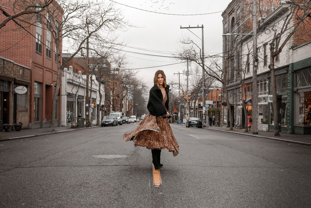 Blogger Mary Krosnjar wearing H&M Pleated Leopard Dress and Who What Wear Womens Teddy Jacket