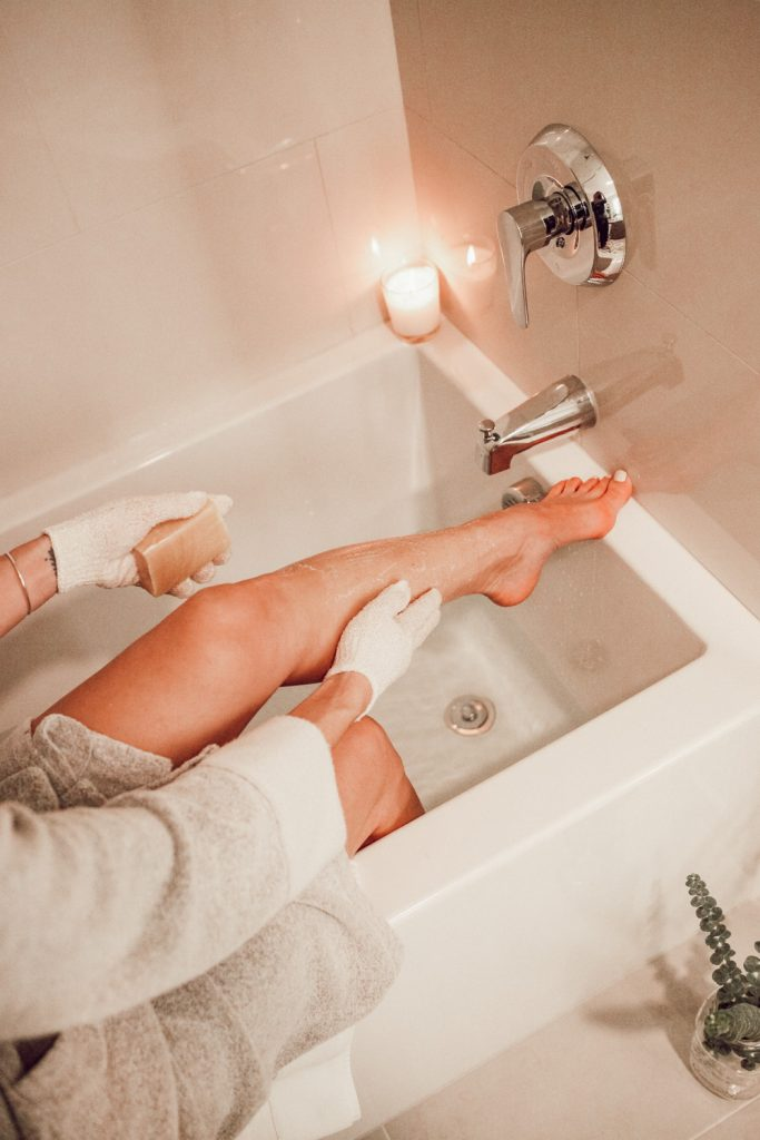 Blogger Sportsanista sharing tips on how to winterize skin and Natori Nirvana Robe Women