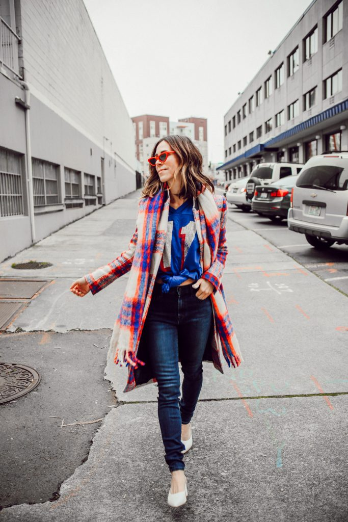 Blogger Sportsanista wearing Vintage New England Patriots Jersey and J Brand Photo Ready HD Denim