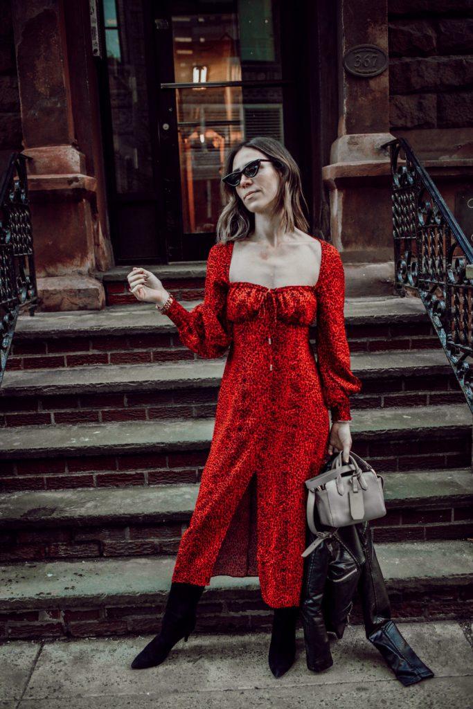 Seattle Fashion Blogger Sportsanista wearing AFRM Midi Dress and J.Crew Mini Harper Tote