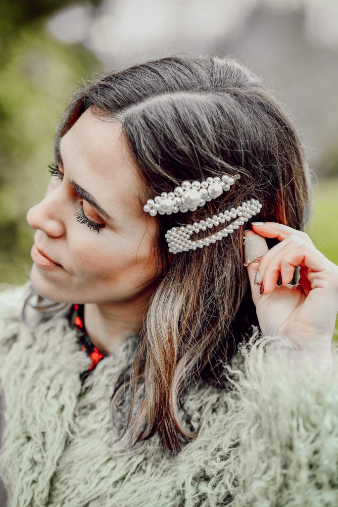 Seattle Blogger Sportsanista wearing Pearls Hair Clips