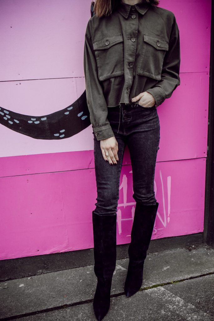Seattle Fashion Blogger Mary Krosnjar wearing sharing how to style a cropped jacket with high waisted jeans and suede boots