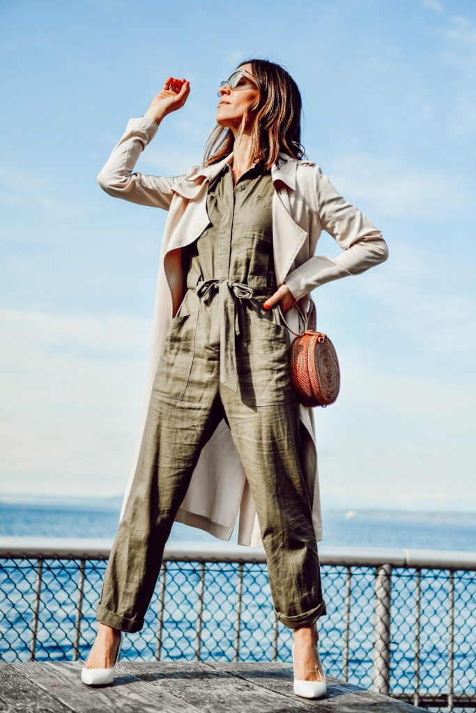 Seattle Fashion Blogger Sportsanista wearing H&M Cargo Jumpsuit and Banana Republic Madison 12-hour pump