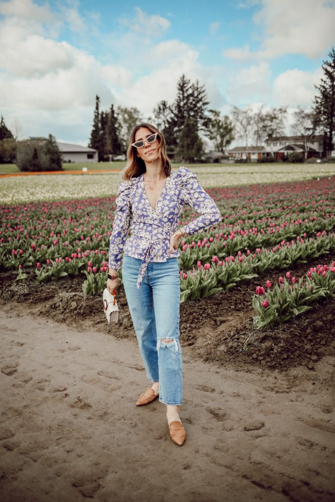 Seattle Fashion Blogger Sportsanista wearing ASTR Puff Sleeve Floral Wrap Top and Schutz Marli Point Toe Flats