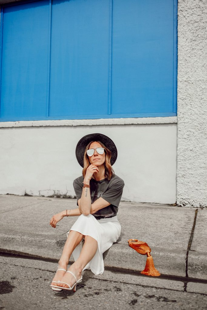 Seattle Fashion Blogger Sportsanista wearing Quay High Key Sunglasses and Acrylic Round Handle with Braided Tassel Body Bohemian Style
