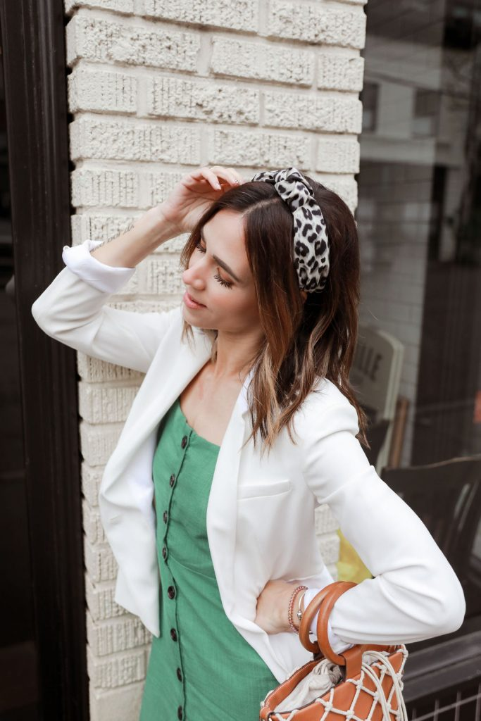 Seattle Fashion Blogger Sportsanista wearing Leopard Headband and White Blazer. Womens white blazer for spring and summer.