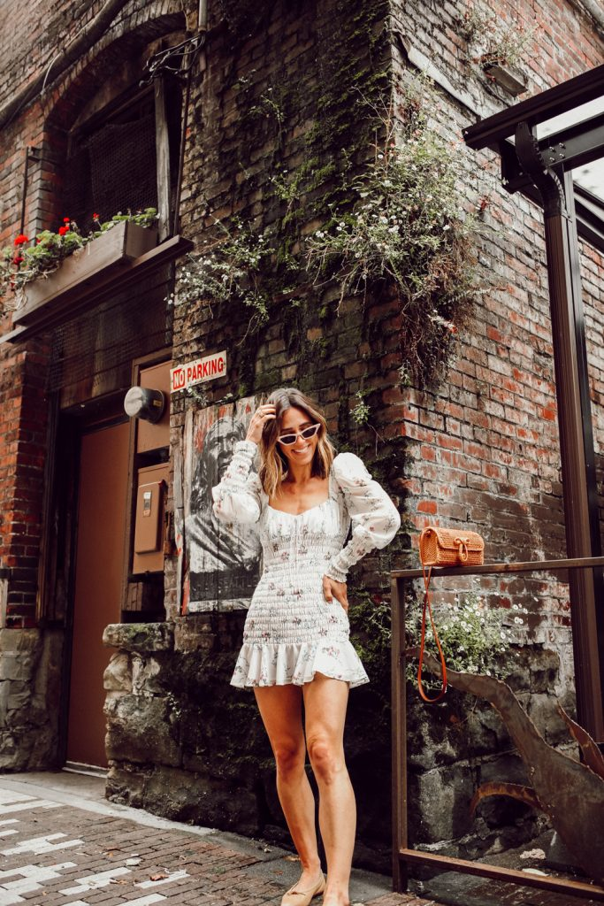 Seattle Fashion Blogger Sportsanista sharing five things to do in Seattle this summer
