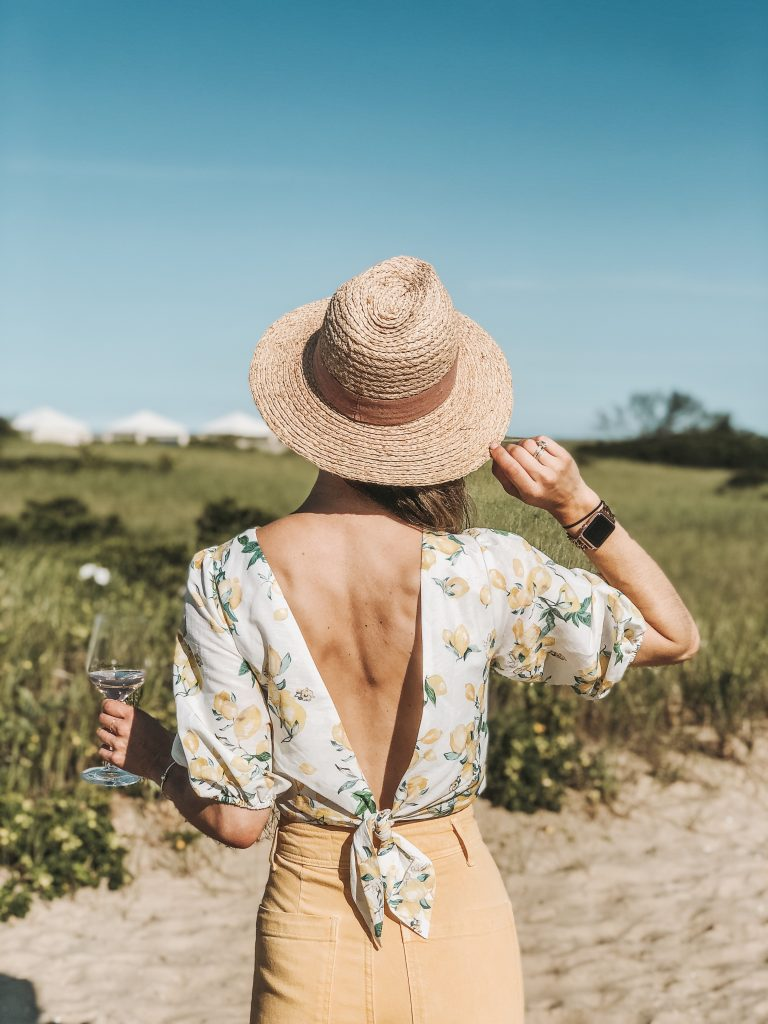 Seattle Fashion Blogger Sportsanista wearing H&M Linen Top and Sole Society straw Hat
