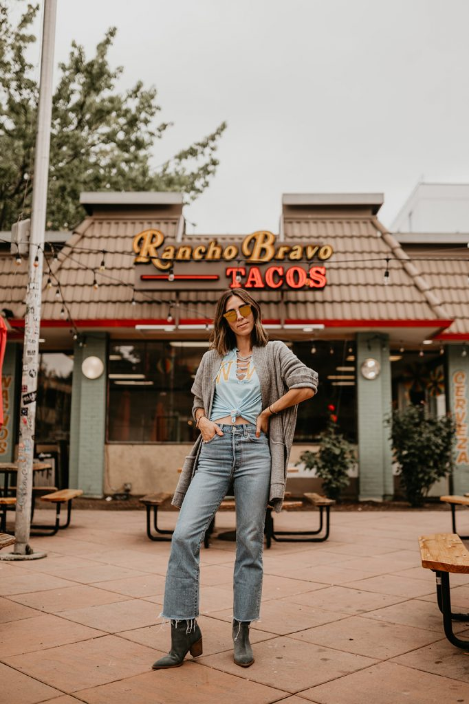 Seattle Fashion Blogger Sportsanista sharing college game day outfit inspiration